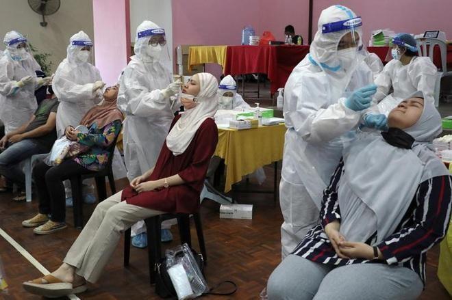 Bất chấp lệnh phong tỏa, Malaysia vẫn ghi nhận số ca nhiễm Covid-19 mới cao kỷ lục