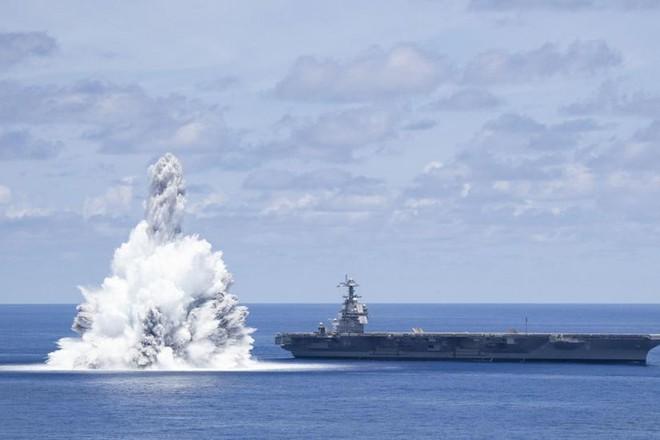 Mỹ gây nổ 'như động đất' để thử nghiệm tàu sân bay 13 tỷ USD ảnh 1