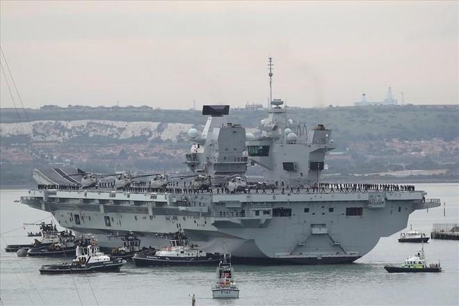 Việt Nam nói gì về việc Anh triển khai 2 tàu chiến ở châu Á? ảnh 1