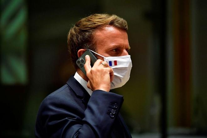 Vì sao Tổng thống Pháp quyết định đổi điện thoại? ảnh 1
