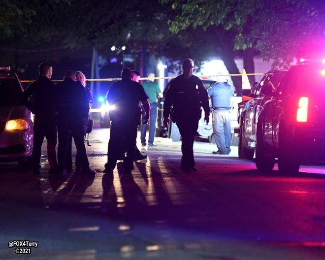 Mỹ: Kẻ xả súng bị người dự tiệc ném gạch chết ảnh 1