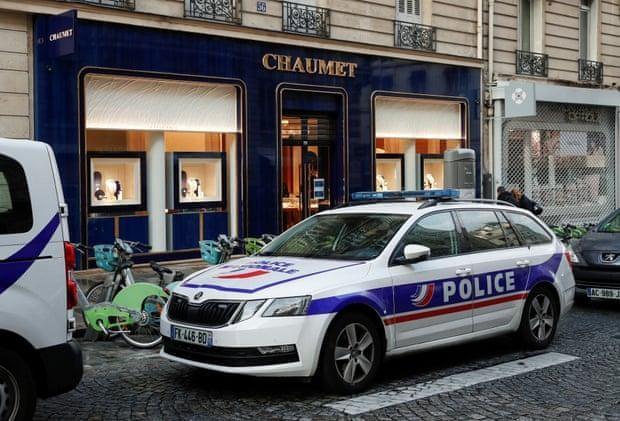 Cướp trang sức táo tợn giữa ban ngày ở Thủ đô Paris ảnh 1