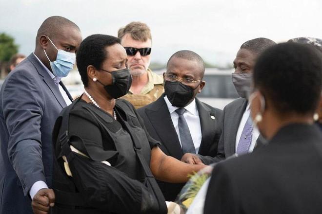 Vợ cố Tổng thống Haiti bị ám sát lên đường tới Mỹ ảnh 1