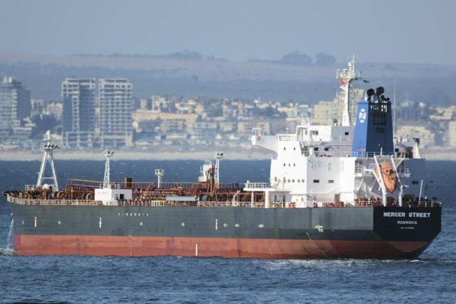 Israel cáo buộc Iran đứng sau vụ tấn công tàu dầu ảnh 1