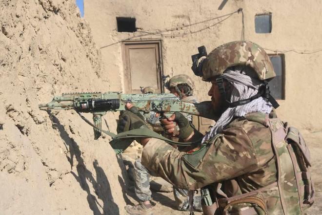 Giao tranh ác liệt tại Afghanistan, ít nhất 20 người chết ảnh 1