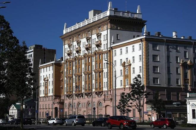 Bao nhiêu nhân viên làm việc trong Đại sứ quán Mỹ tại Nga? ảnh 1