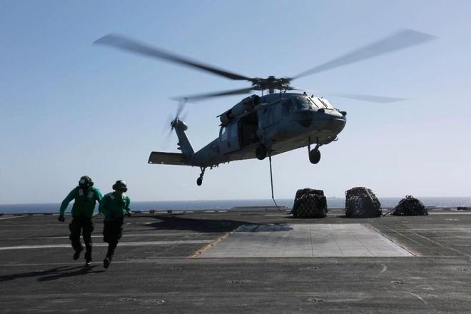 Hải quân Mỹ: 5 người trên trực thăng MH-60S lao xuống biển đã tử nạn ảnh 1