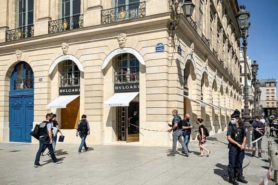 Cướp trang sức trị giá 10 triệu euro giữa ban ngày ở trung tâm Paris ảnh 1