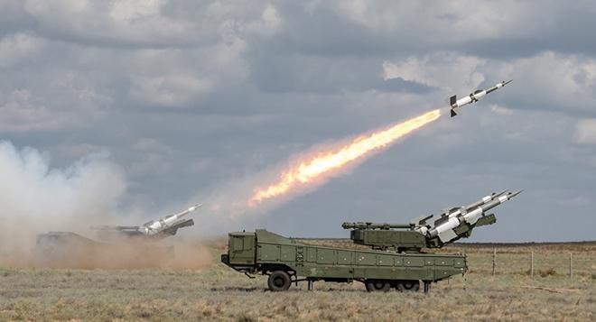 Phòng không Syria khai hỏa, bắn hạ tên lửa Israel ảnh 1