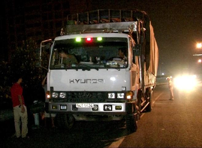 Bắt xe tải chở 170kg pháo lậu trên đường đi tiêu thụ