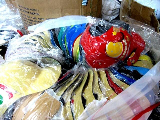 Ngăn chặn kịp thời vụ tuồn ra thị trường 500 chiếc mũ bảo hiểm rởm ảnh 2