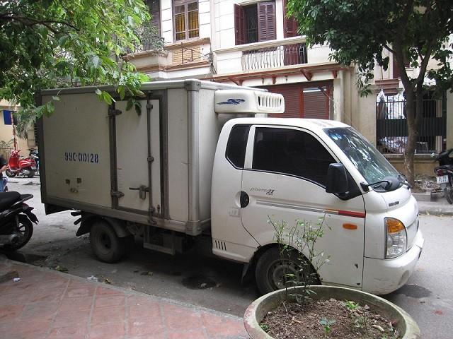 Phá vụ vận chuyển tai lợn thối thu mua từ Hà Nội đến Bắc Giang ảnh 1