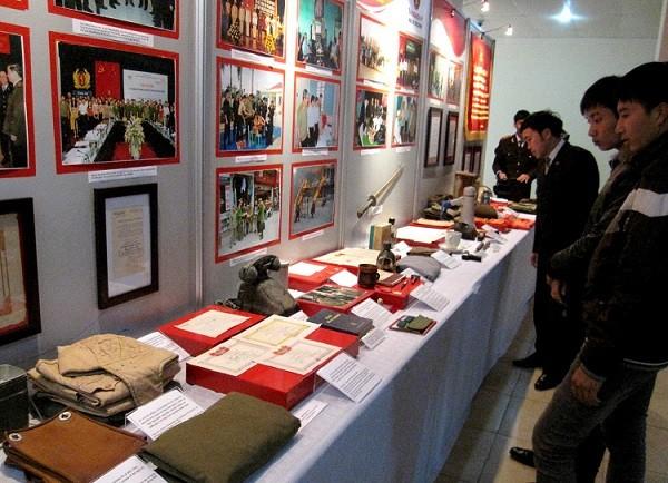 Tiếp nhận kỷ vật lịch sử CAND của các tỉnh Hà Nam - Nam Định - Thái Bình ảnh 6