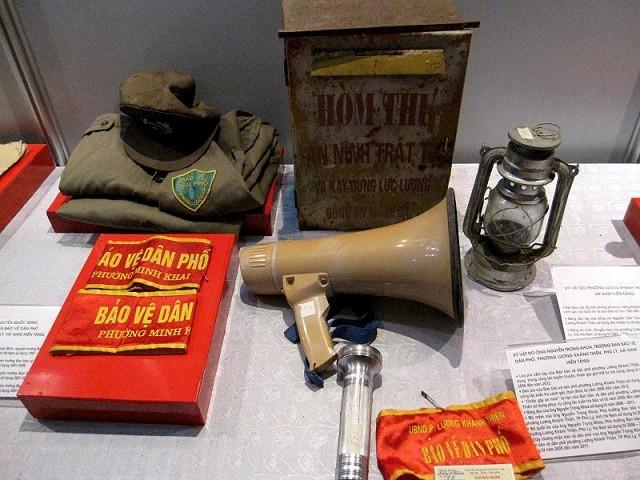 Tiếp nhận kỷ vật lịch sử CAND của các tỉnh Hà Nam - Nam Định - Thái Bình ảnh 2