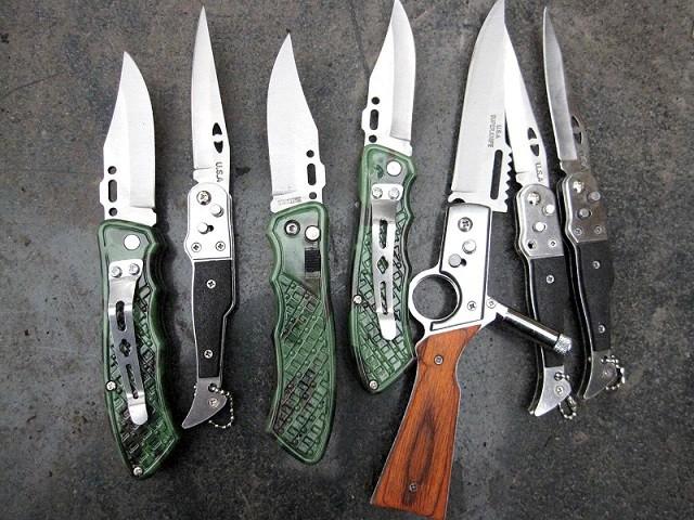 Thu giữ 4.000 con dao bấm sắc nhọn ảnh 1
