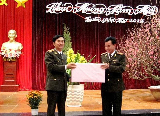 Thứ trưởng Thường trực Đặng Văn Hiếu thăm, chúc Tết CAQ Tây Hồ ảnh 2