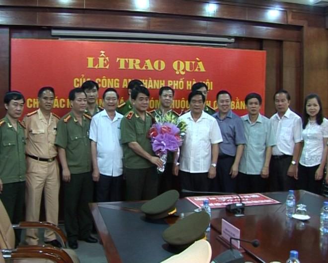CATP Hà Nội đi thăm và tặng quà tại tỉnh Cao Bằng ảnh 1