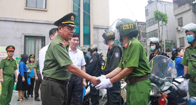 Hơn 11.000 đoàn viên, thanh niên Công an Thủ đô ra quân bảo đảm an ninh, trật tự cho ngày hội bầu cử ảnh 3