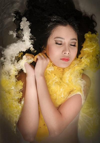 Người mẫu Xuân Thuỳ cực ấn tượng với nước màu ảnh 2