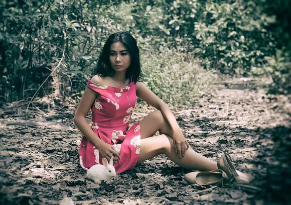 Chán nude, người mẫu Xuân Thuỳ vào rừng chơi… với thỏ ảnh 4