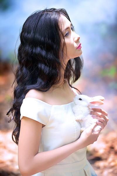 Chán nude, người mẫu Xuân Thuỳ vào rừng chơi… với thỏ ảnh 7