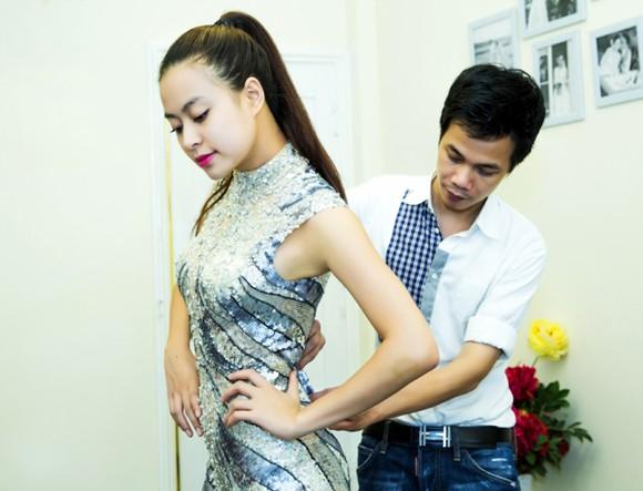 Hoàng Thuỳ Linh khoe đường cong gợi cảm ảnh 4