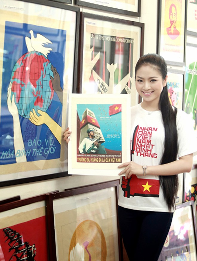 Hoa hậu Ngọc Anh tươi trẻ với áo in tranh cổ động ảnh 3
