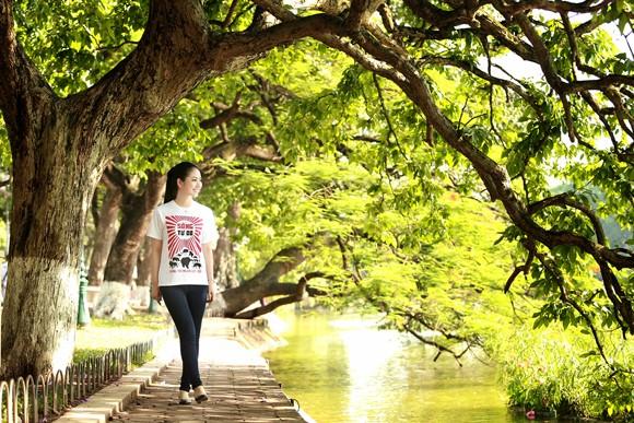 Hoa hậu Ngọc Anh tươi trẻ với áo in tranh cổ động ảnh 8