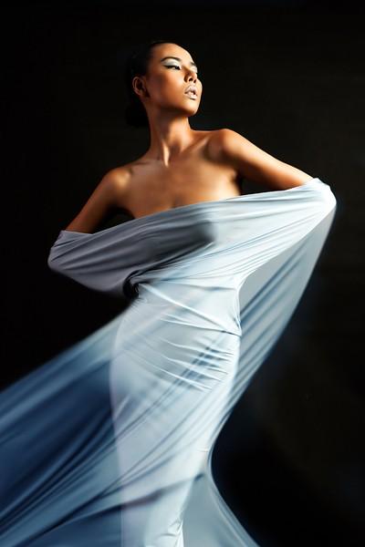 Lại Thanh Hương chán nude, phá cách trong kén lụa gợi cảm ảnh 9