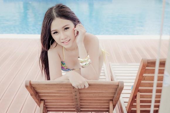 """Người đẹp Thanh Trang """"hút hồn"""" với trang phục bikini siêu nhỏ ảnh 1"""