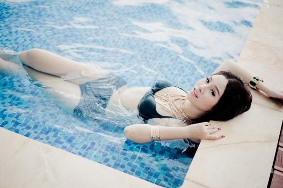 """Người đẹp Thanh Trang """"hút hồn"""" với trang phục bikini siêu nhỏ ảnh 8"""