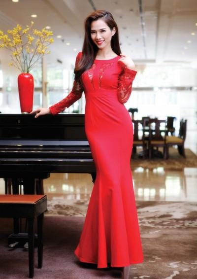 """Siêu mẫu Kim Cương """"hút hồn"""" với đầm dạ hội ảnh 1"""