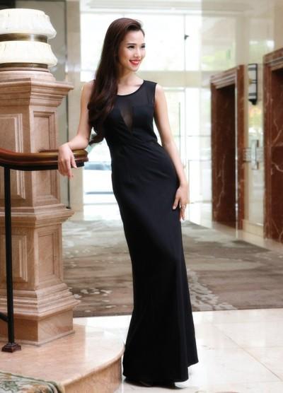 """Siêu mẫu Kim Cương """"hút hồn"""" với đầm dạ hội ảnh 4"""