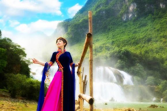MC Kim Trang hoá thân tiên nữ miền sơn cước ảnh 1