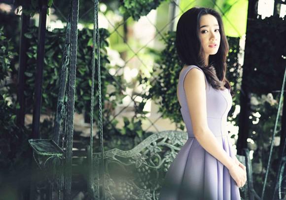 """Hot girl """"Quả tim máu"""" dịu dàng như nàng công chúa trong vườn xinh ảnh 4"""