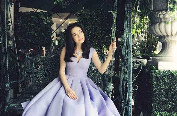 """Hot girl """"Quả tim máu"""" dịu dàng như nàng công chúa trong vườn xinh ảnh 5"""