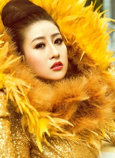 Mc Kim Trang hoá thân thành Nữ thần mặt trời ảnh 1