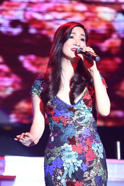 Hoa hậu Giáng My khoe giọng hát mượt mà trong đêm nhạc từ thiện ảnh 3