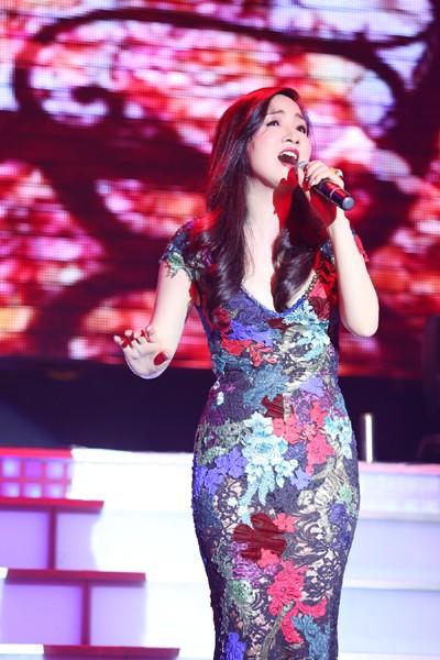 Hoa hậu Giáng My khoe giọng hát mượt mà trong đêm nhạc từ thiện ảnh 5