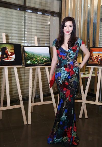 Hoa hậu Giáng My khoe giọng hát mượt mà trong đêm nhạc từ thiện ảnh 7