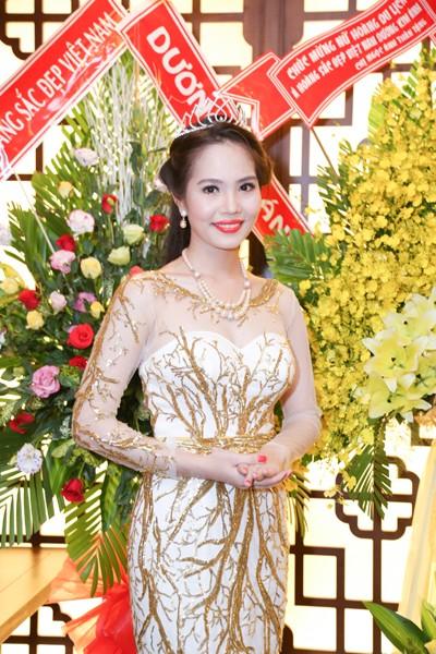 Nữ hoàng Du lịch Việt Nam Dương Kim Ánh lộng lẫy trong tiệc mừng sau đăng quang ảnh 7