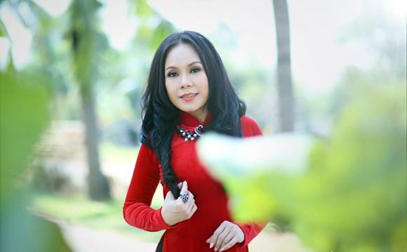 Danh hài Việt Hương khoe eo thon như thiếu nữ ảnh 6
