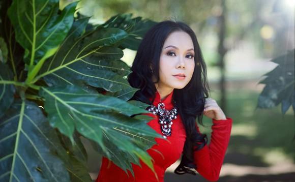 Danh hài Việt Hương khoe eo thon như thiếu nữ ảnh 7