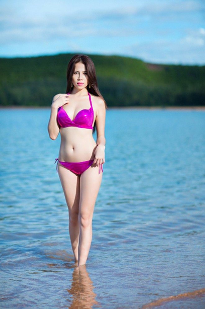 """""""Bỏng mắt"""" ngắm Phạm Minh Minh diện bikini ảnh 5"""
