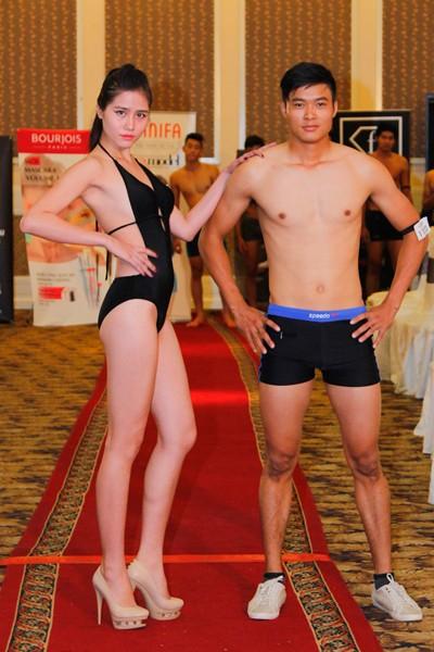 Thí sinh Vietnam's Next Top Model khoe cơ bắp trong phần thi hình thể ảnh 13