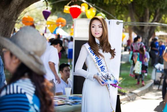 Hoa hậu gốc Việt Jennifer Chung tổ chức Trung thu cho trẻ em TP. San Jose ảnh 2