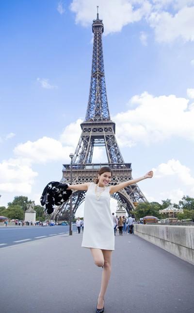 Oanh Yến, Kỳ Hân, Đinh Minh Quân hội ngộ Jennifer Chung tại Paris ảnh 5