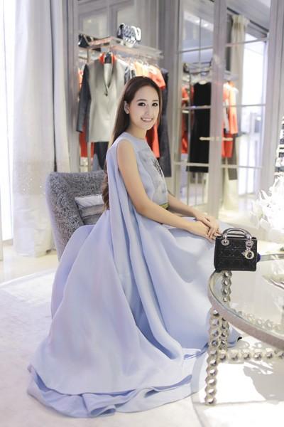 Hoa hậu Mai Phương Thuý xuất hiện nổi bật tại sự kiện lớn của châu Á ảnh 3