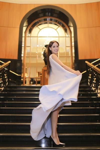 Hoa hậu Mai Phương Thuý xuất hiện nổi bật tại sự kiện lớn của châu Á ảnh 4