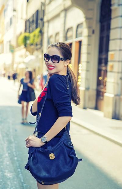 Quách An An diện váy siêu ngắn khoe chân dài trên phố ảnh 5
